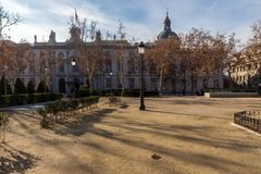 Giardini della villa de Parigi della plaza in città di Madrid, Spagna immagine stock libera da diritti