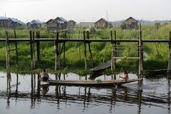 GIARDINI DI GALLEGGIAMENTO DELL'ASIA MYANMAR NYAUNGSHWE Immagini Stock