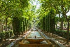 Giardini e fontane vicino al palazzo di Almudaina in Palma, Mallorca, Spagna Immagine Stock