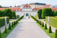 Giardini e palazzo più basso di belvedere a Vienna, Austria immagini stock
