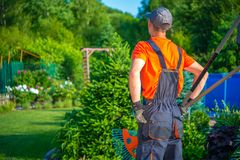 Giardiniere pronto a funzionare immagini stock libere da diritti