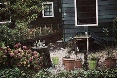 Giardino davanti alla casa Immagine Stock Libera da Diritti