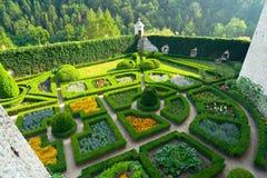 Giardino del labirinto nel castello di Pieskowa Skala vicino a Cracovia Immagini Stock