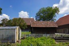 giardino dell'annata del cottage immagini stock libere da diritti