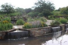Giardino della cascata della primavera Immagine Stock Libera da Diritti