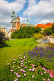 Giardino della primavera al castello reale di Wawel a Cracovia Immagini Stock Libere da Diritti