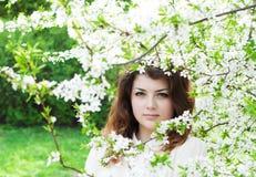 Giardino della ragazza in primavera Fotografia Stock Libera da Diritti