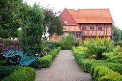 Giardino di erbe dell'abbazia di Greyfriars in Ystad, Svezia Immagine Stock
