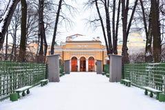 Giardino di estate in San Pietroburgo Fotografia Stock Libera da Diritti