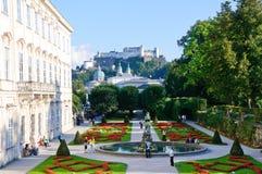 Giardino di Mirabell e castello di Hohensalzburg - Salzbur Immagini Stock
