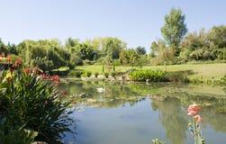 Giardino di Monets e stagno del giglio Fotografie Stock Libere da Diritti