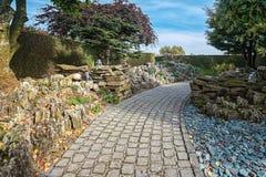 Giardino di rocce decorato con i supporti di candela Fotografia Stock