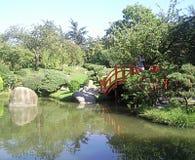 Giardino di zen con un ponte giapponese a Tolosa, Francia Immagini Stock Libere da Diritti