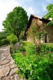 Giardino e casa 2 Fotografia Stock