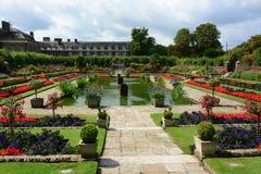 Giardino incavato del palazzo di Kensington Immagine Stock