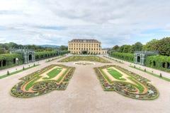 Giardino informato, palazzo di Schonbrunn Fotografie Stock