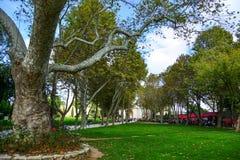 Giardino principale del palazzo di Dolmabahce fotografia stock