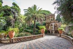Giardino pubblico antico della villa Comunale in Taormina, Sicilia immagine stock