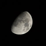 Gibbous vaxande måne Royaltyfri Fotografi