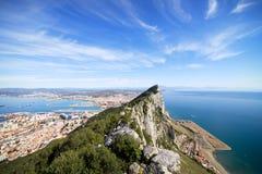 Gibraltar-Felsen-Schacht und Stadt Stockfoto