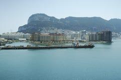 Gibraltar na słonecznym dniu widzieć od morza Obrazy Stock