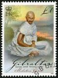 GIBRALTAR - 2008: shower av Mohandas Karamchand Gandhi (1869-1948), serie Europabokstavshandstil Arkivfoto