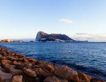 Gibraltar solnedgång från Algeciras Royaltyfri Fotografi
