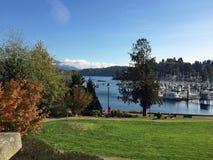 Gibsons港口小游艇船坞,阳光海岸, BC 免版税图库摄影
