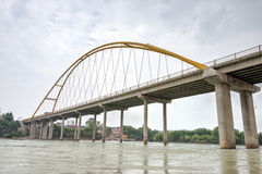 GIDS, CHINA - 22 Juli 2014: De gele rivier grote brug (Huanghe Stock Afbeelding