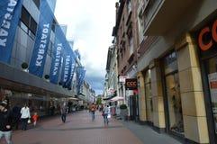 Gießen-Einkaufsstraße Lizenzfreie Stockbilder