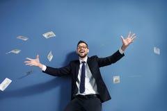 Giełda Papierów Wartościowych makler z pieniądze na tle Fotografia Stock