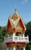 Giebel des buddhistischen Tempels Stockfotografie