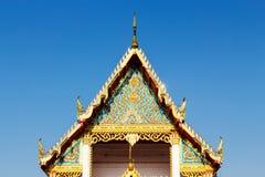 Giebel des Tempels in Thailand morgens stockbild
