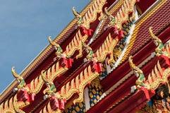 Giebel Nagaende des thailändischen Tempeldachs, Chanthaburi Lizenzfreies Stockbild