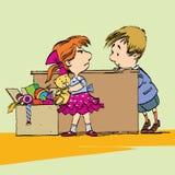 Gieriges Mädchen mit Spielzeug und Jungen Lizenzfreie Stockfotos