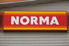 NORMA Logo. GIESSEN, GERMANY JULY, 2017: NORMA supermarket chain sign. NORMA is a GERMAN global discount supermarket chain, based in Fürth, Bayern, Germany stock photos