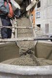Gietend cement Stock Foto