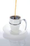 Gietende koffie royalty-vrije stock fotografie