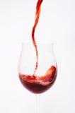 Gietende wijn Royalty-vrije Stock Afbeeldingen