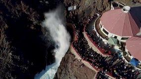 Gietgal van La Bufadora, beroemde aantrekkelijkheid Ensenada stock videobeelden