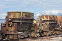 Gietlepels op een spoorwegplatform Royalty-vrije Stock Afbeelding