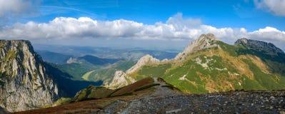 Giewont, góra w Polskim Tatras z krzyżem na wierzchołku, Zachodnia Tatras góra w Polska Zdjęcia Stock