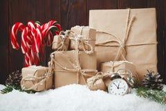 GIF del vintage del canela de las ramas del abeto de la composición del Año Nuevo de la Navidad Fotos de archivo libres de regalías