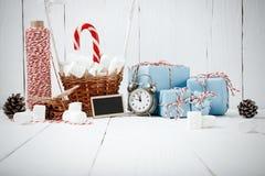 GIF del vintage del canela de las ramas del abeto de la composición del Año Nuevo de la Navidad Imagenes de archivo