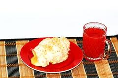 Giffel och röd orange fruktsaft Fotografering för Bildbyråer