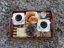 Giffelkaffe mjölkar frukostmagasinet Royaltyfria Bilder