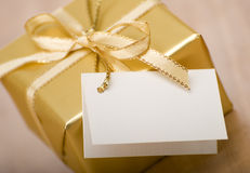 Gift box with blank card Stock Photography