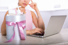 Gift box with cosmetics Royalty Free Stock Image