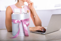 Gift box with cosmetics Stock Photography