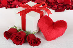 Gift box with heart and roses for birthday, Valentine's or mothe Royalty Free Stock Photography